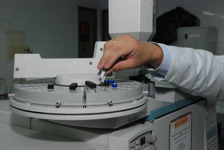El Reino Unido es un gran aliado de Colombia para el desarrollo de capacidades en ciencia, tecnología, investigación e innovación, por lo que creó en 2014, el Fondo Newton Caldas, la acción más grande para la promoción del desarrollo científico.